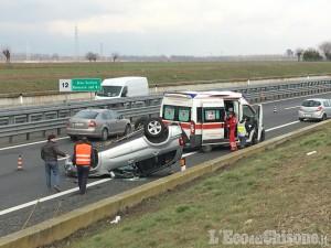 Volvera: scontro tra auto, fuoristrada si ribalta sulla Torino-Pinerolo