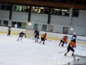 Hockey ghiaccio, secondo tempo a Laces: torna in vantaggio la Valpeagle grazie a Salvai