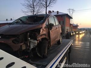 Scalenghe: auto fuori strada, ferita una donna di Cercenasco