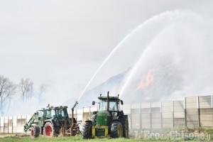 Incendio stabilimento ex Annovati: evacuata a titolo precauzionale la popolazione nel raggio di 100 metri