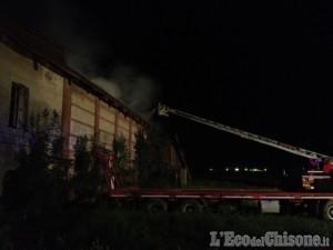 Piossasco, incendio cascina in regione Duis