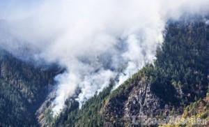 Incendio in Val Chisone: situazione migliorata ma si teme il vento