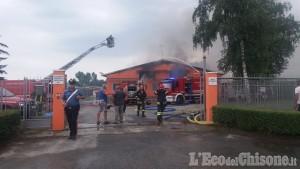 Garzigliana: fiamme in un'azienda agricola, due Vigili del fuoco lievemente feriti