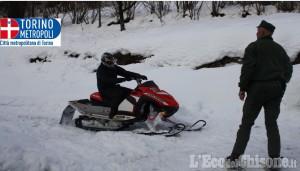 Motoslitte non autorizzate sulle montagne di Pramollo: sanzioni della Polizia metropolitana ai trasgressori
