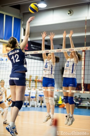 Volley B1 femminile: Lilliput-Eurospin Ford Sara, big match. Calcio, Pinerolo in Granda