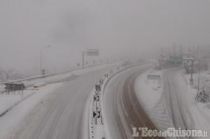 La neve fa slittare la consegna del vaccino in Piemonte di un giorno