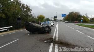 Orbassano: cappotta sulla Sp6, ferito automobilista