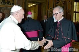 Papa Francesco telefona al vescovo Derio Olivero in ospedale a Pinerolo