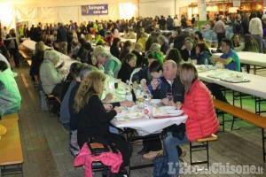 Perosa: è iniziata la festa di Meano, sotto il palatenda fino al 1 maggio