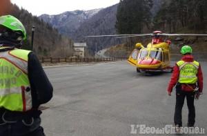 Infortunato in alta Valle Po, recuperato dagli uomini del Soccorso alpino