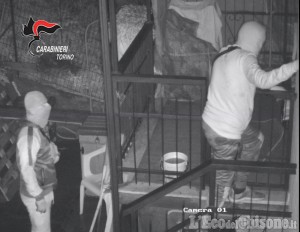 Giaveno: furti seriali negli appartamenti, due arrestati