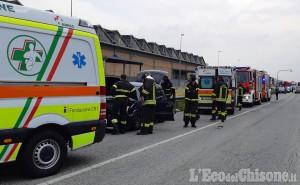 None: scontro tra veicoli davanti all'ex Indesit, due feriti lievi