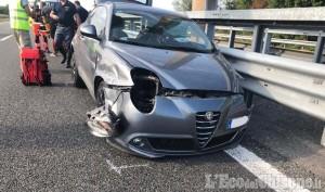 Volvera: in auto contro il guard-rail dell'autostrada, ferita 59enne
