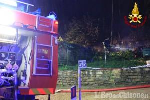 Giaveno: legnaia in fiamme a borgata Chiarmetta