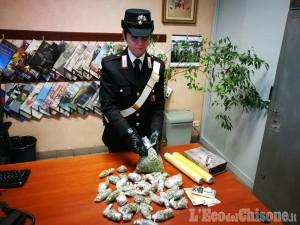 Orbassano: tenta di gettare la droga insieme alla spazzatura, 25enne arrestato dai carabinieri