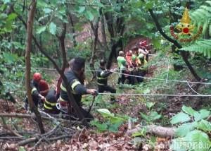 Giaveno: caduta in un canalone, donna salvata da Vigili del fuoco e Soccorso alpino