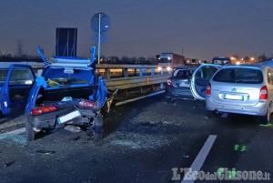 Nichelino: schianto fra auto in via Debouchè, tre i feriti
