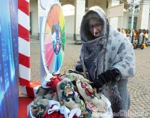 Pinerolo chiude un mese di eventi con la Befana in piazza del Duomo
