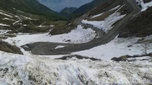 Lavori in corso per preparare il Colle delle Finestre al passaggio del Giro d'Italia
