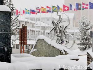 Neve: a Prali protesta «per soli sindaci», a Pragelato Fondo «per soli atleti», a Sestriere le alternative allo sci