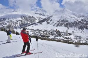 Primavera aperta da 30-50 centimetri di neve sulle piste della Vialattea