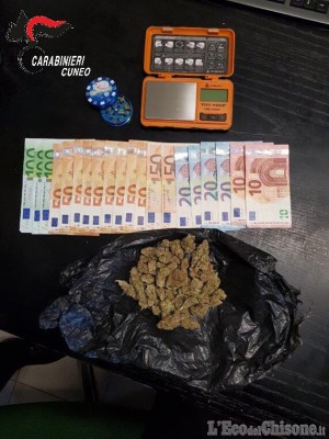 Controlli antidroga: saluzzese arrestato, denunciato 17enne pinerolese per spaccio