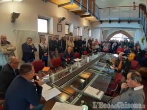 Incendio ex Annovati di Frossasco: l'esasperazione dei cittadini nell'incontro in Sala consiliare