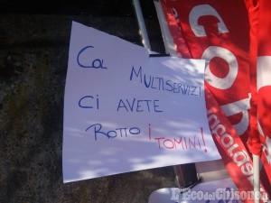 Pezzana: i carabinieri intervengono per calmare gli animi