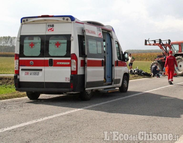 Cardè: scontro tra auto e trattore in via Moretta, tre i feriti