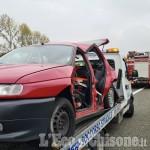 Piscina: scontro tra auto sulla Torino-Pinerolo, un ferito