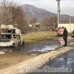 Piscina: dramma della depressione, muore tra le fiamme nella propria auto