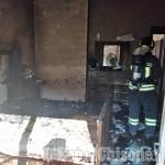 Cavour: incendio nella camera da letto, pensionato salvato dai Vigili del fuoco e trasportato d'urgenza in ospedale