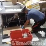 Orbassano: 53 chili di droga nell'armadio in spedizione, arrestato 54enne