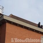 Vinovo: sale sul tetto e semina il panico, 18enne bloccato dai carabinieri