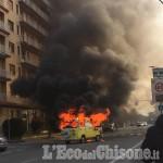 Orbassano: rubano un furgone che poco dopo prende fuoco in via Volvera