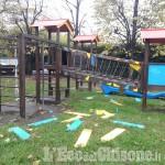 Orbassano: vandali in azione al parco giochi di via Di Nanni