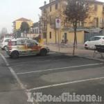 None: auto in fiamme in viale della Stazione, danneggiata anche quella vicina