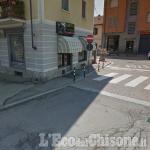 Orbassano: lascia l'auto sulle strisce e aggredisce due agenti, denunciato