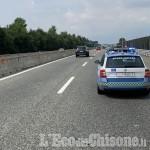 Tamponato da un'auto sulla Torino-Pinerolo, ferito motociclista