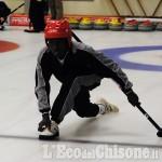 A Pinerolo sul ghiaccio del curling la prima squadra di colore: migranti da Gambia e Sierra Leone