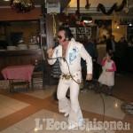Anche Elvis scalda la voce per il concerto dei sosia a Villar Perosa con Cuore Aperto
