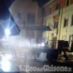 Paesana: carro allegorico in fiamme al termine della sfilata di Carnevale