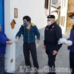 Fenestrelle: distribuite 400 mascherine con l'aiuto di Aib, Carabinieri e Mansia