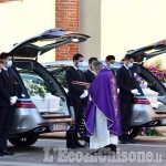 Strage di Carignano: a Frossasco l'ultimo saluto a Barbara e ai gemellini Aurora e Alessandro