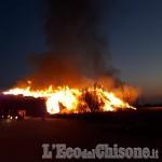 A fuoco il deposito di legname dell'Annovati di Frossasco
