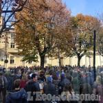 Pinerolo: raduno contro il green pass davanti al municipio