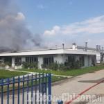 Incendio a Roletto: Arpa Piemonte sta proseguendo con i controlli per la ricaduta dei fumi