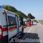 Osasio: urtato da un'auto sulla Provinciale, ciclista ferito
