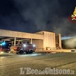Candiolo: incendio all'ex macello, Vigili del fuoco ancora al lavoro per domare le fiamme