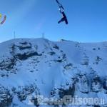 Sestriere: scialpinisti in difficoltà, soccorsi dall'elicottero dei Vigili del Fuoco